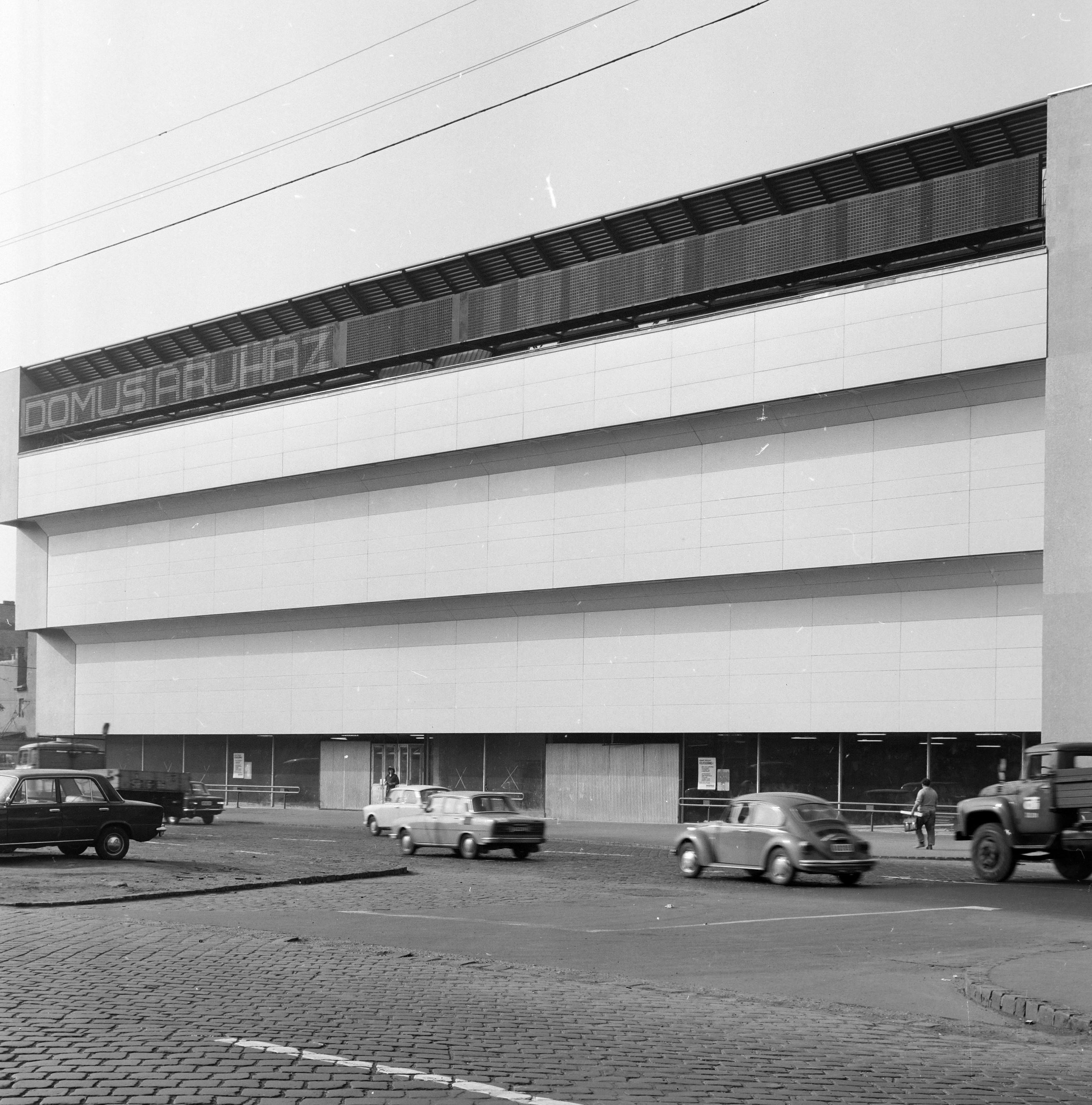 domusaruhaz-1974korul-fortepan_hu-206601-fofoto.jpg