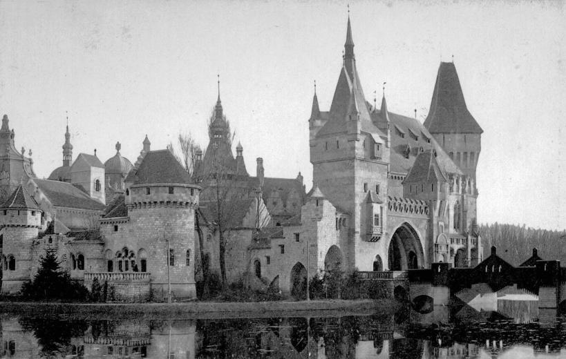 vajdahunyadvar-1900asevek-fortepan_hu-31744.jpg