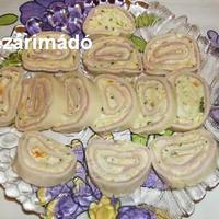 Sajtkrémmel töltött sajttekercs