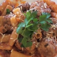 Olasz húsgolyók tésztával