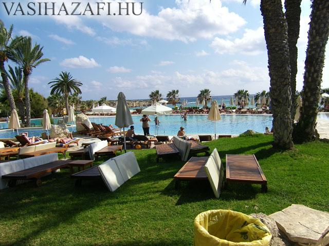 legio-ciprus-hotel3.jpg