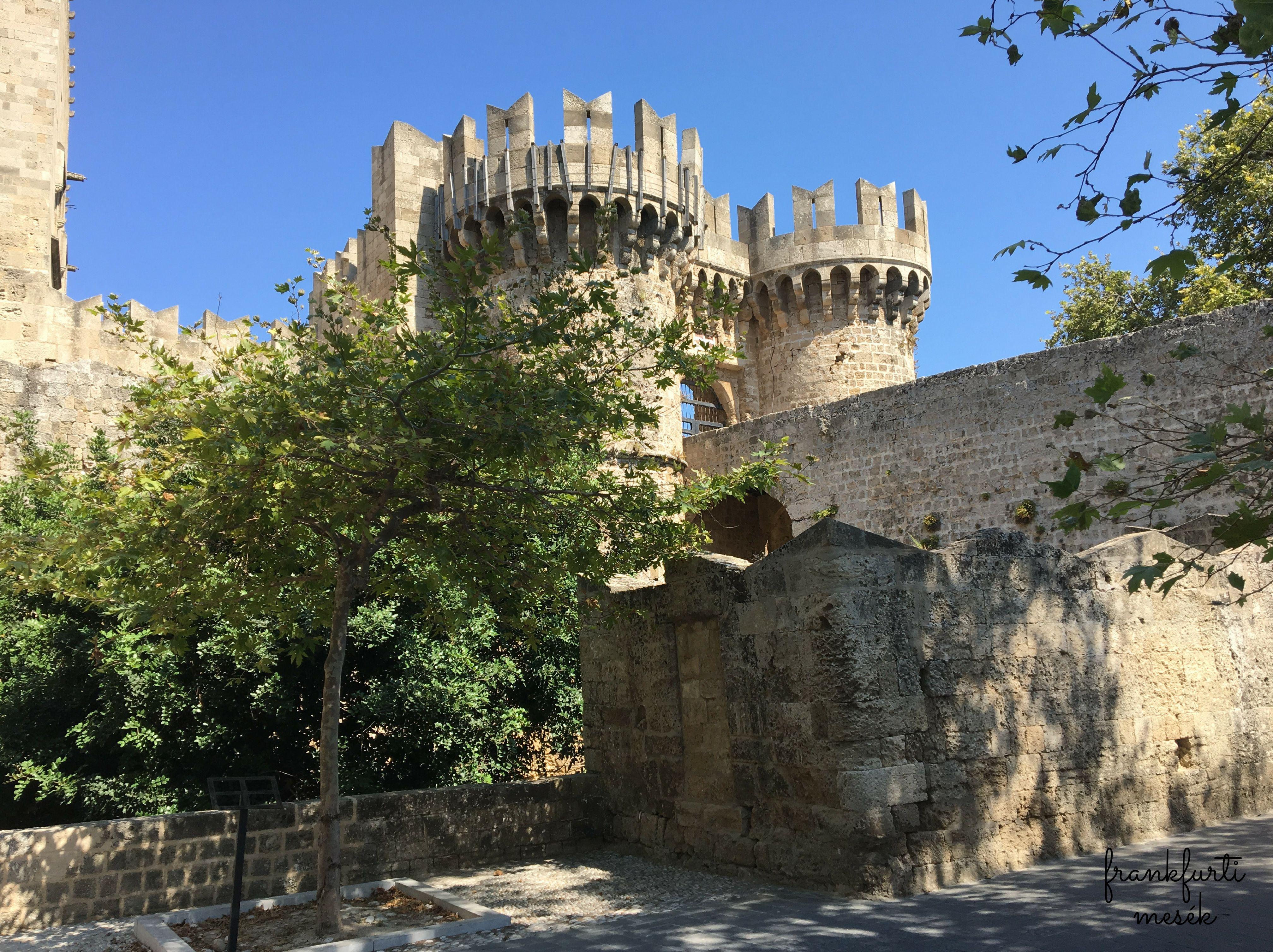 Nagymester Palota (Grand Master Palace)