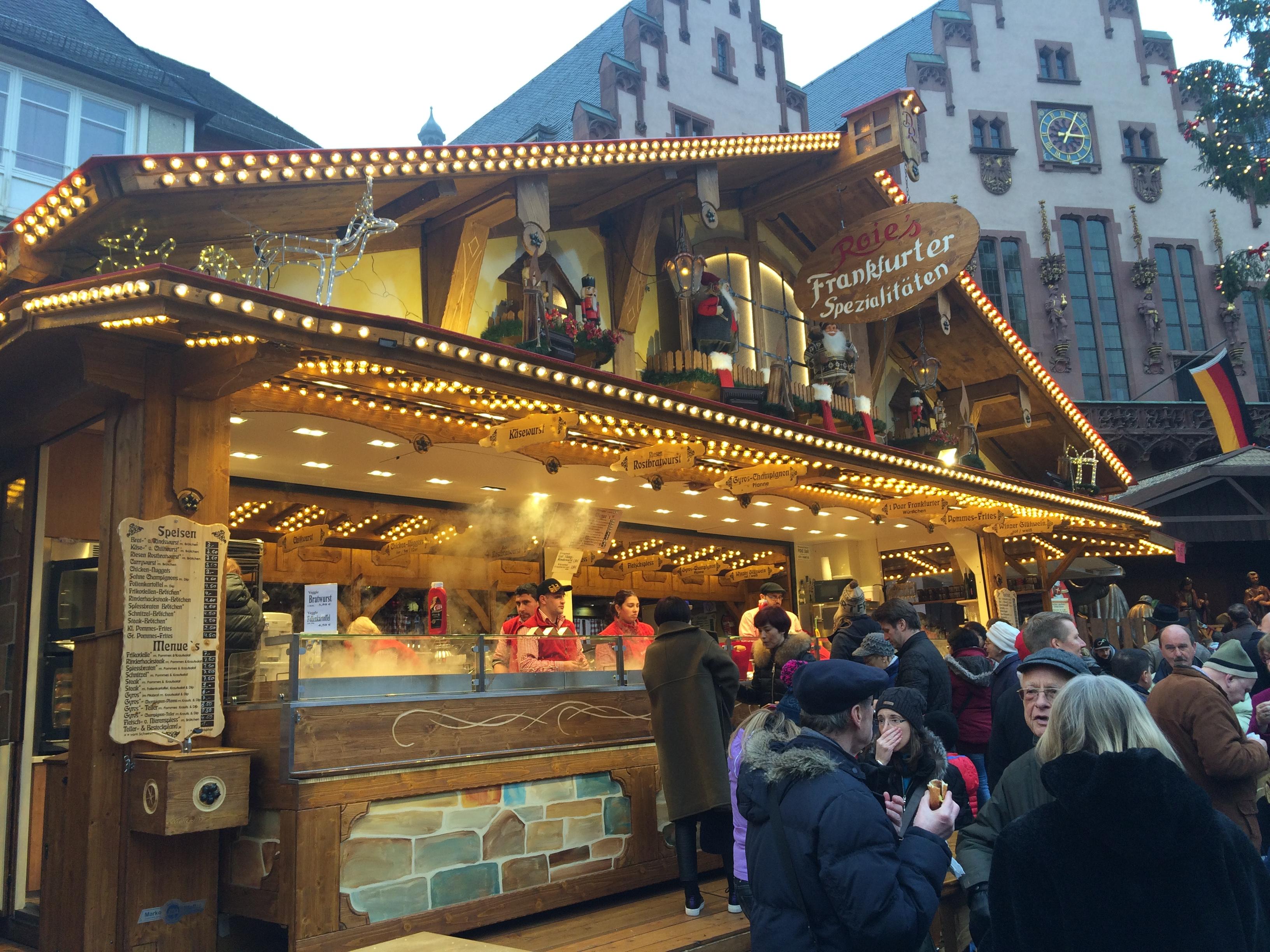 Frankfurti specialitásokat kínáló büfé.