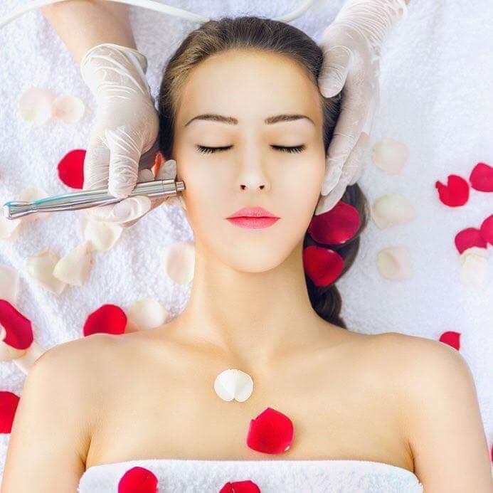 Pro és kontra: kozmetikus vagy otthoni arcápolás