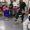Nyomtatott cipők holland kórházi dolgozóknak