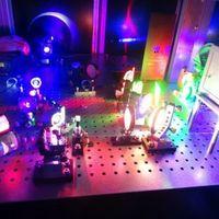 Élethű hologramok