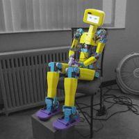 90 nyomtatott részből állíthatunk össze egy humanoid robotot