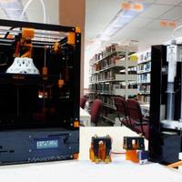 Műanyagot, kerámiát, gyurmát, csokit nyomtat az MM1 printer