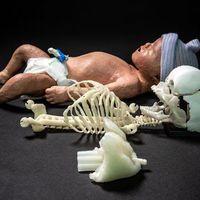 Nyomtatott csecsemőutánzat újjáélesztési gyakorlatokhoz