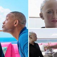 Amikor egy robotnő kikosaraz