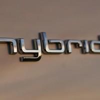 Miért és hogyan vegyünk hybrid autót?