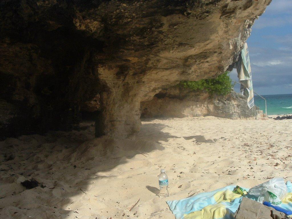 Elbújt beach