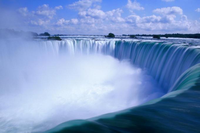 A Niagara vizesés, a határon van.