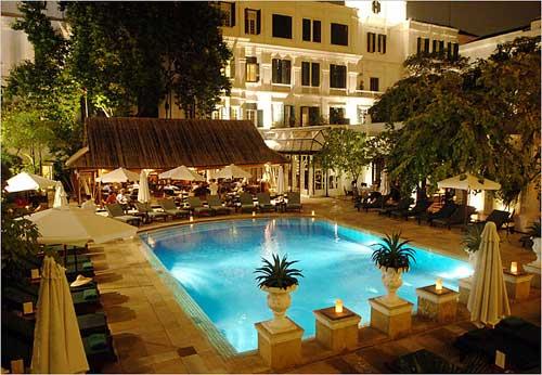 Uszoda, Hotel Metropole, Hanoi