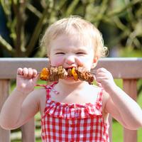 Tippek a gyerekbarát nyári kerti sütésekhez