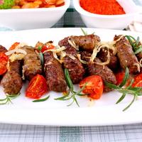 Szuper grillhúsok a Balkánról: a csevap és a mics