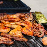 Hogyan grillezzük a csirke különböző részeit profin?