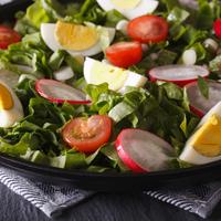 A húsvét ízei egy salátában: sonkás-tojásos vitaminsaláta!