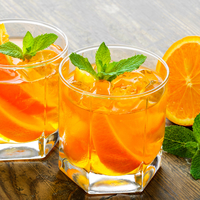 Így készül a házi narancslikőr!