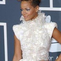 Rihanna bevadult