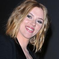 Scarlett Johansson új frizurája