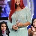 Rihanna végzett a hullámokkal