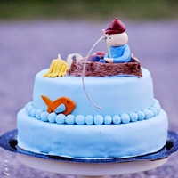 Burkolt születésnapi torták és egy kakukktojás