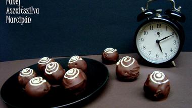 Fahéjas-aszaltszilvás-marcipános bonbon