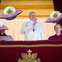 A pápa megkeresztelné a marslakókat
