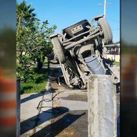 A beszakadt utat ment javítani a betonkeverő, beszakadt alatta az út