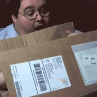 E-könyv olvasót rendelt magának, tumor volt a csomagban