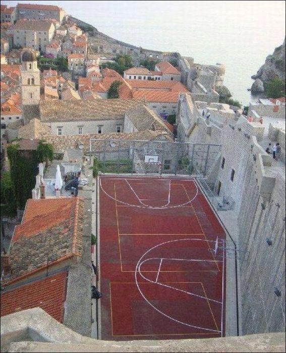 a_aaa-basket-playground.jpg