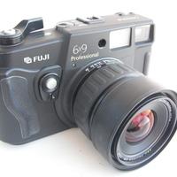 Őrüljetek meg ti is! Eladó Fuji GSW 690 III-as, és sok-sok remek objektív!