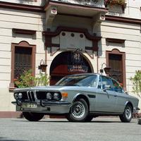 Megint egy BMW...