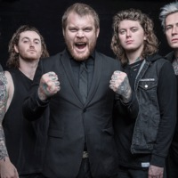 Klip: Asking Alexandria – Alone In A Room