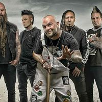 Klip: Five Finger Death Punch - Blue On Black