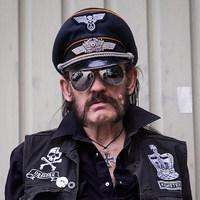 Elhunyt Lemmy Kilmister.