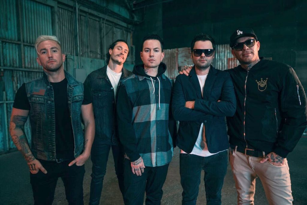 Klip: Hollywood Undead - Riot