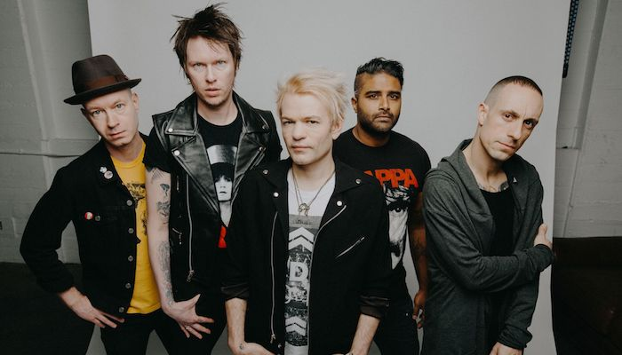 Klip: Sum41 - 45 (A Matter Of Time)
