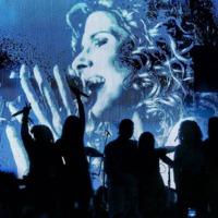 Így adja elő négy menő énekesnő Fábián Juli dalát