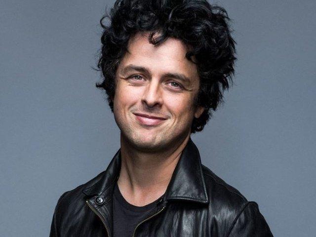 Tinipopsztár dalát dolgozta fel a Green Day frontembere