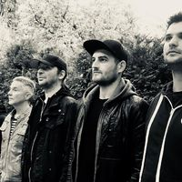 Régi zenésztársak és új dalok a Hiperkarma Aréna-koncertjén