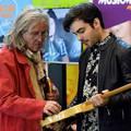 Kiállítás nyílt hazai gitárosok hangszereiből