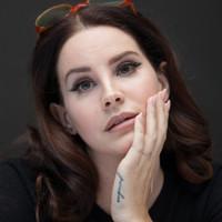 Lana Del Rey 3 milliárdos nézettsége után fogadalmat tett