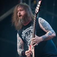 Saját vérével festették be a Slayer-gitáros hangszerét