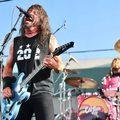 Parkolóban adott meglepetéskoncertet a Foo Fighters