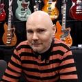 Egymillió dollárért árulja gitárját a Smashing Pumpkins frontembere
