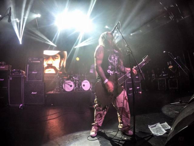 Lemmynek tiszteleg az Ektomorf