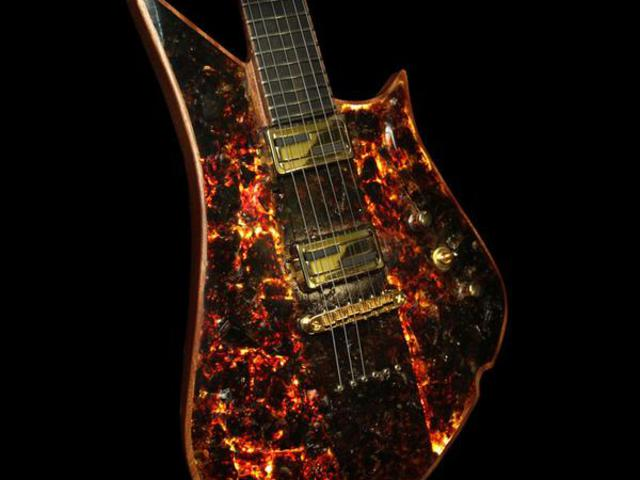 44 millió éves borostyánból készült ez a gitár