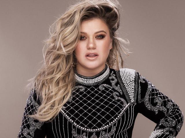 Kikotyogta Kelly Clarkson, hogy saját tévéműsort kap